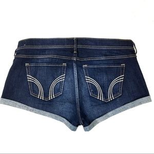 Hollister Classic Low-Rise Shorts